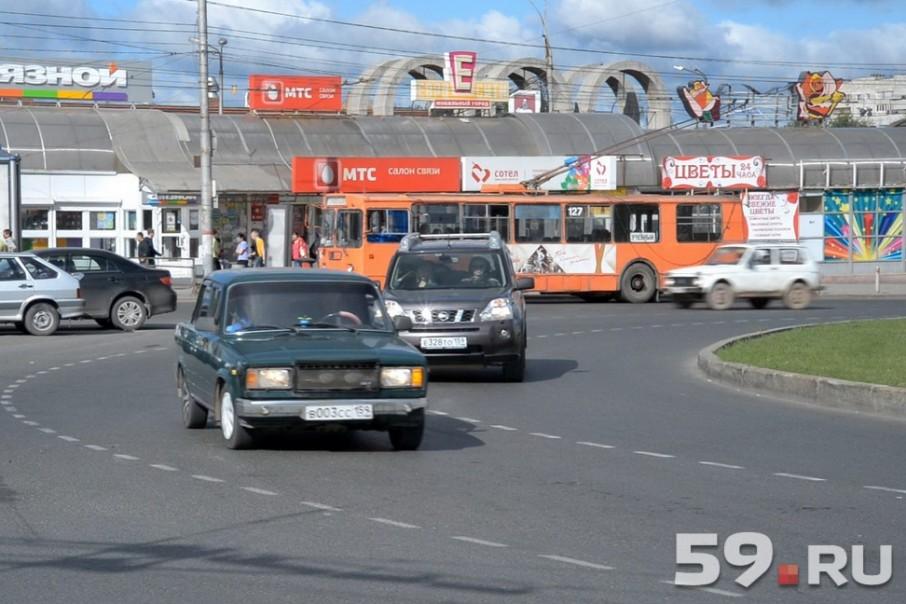 Пермские водители не могут привыкнуть к новым правилам дорожного движения в городе